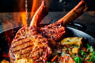 Tomahawk steak smokin' Diane-Style-kop