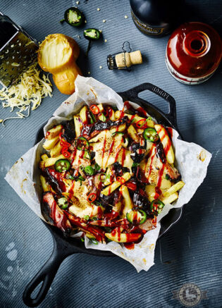 Loaded-fries-with-pulled-pork-&-cheesy-beersauce-article